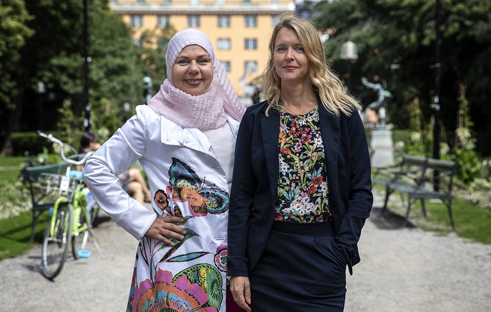 Susanne Svensson och Pernilla Parding, socionomer på Stockholms Stadsmission. Foto: Anna Z Ek, Stockholms Stadsmission