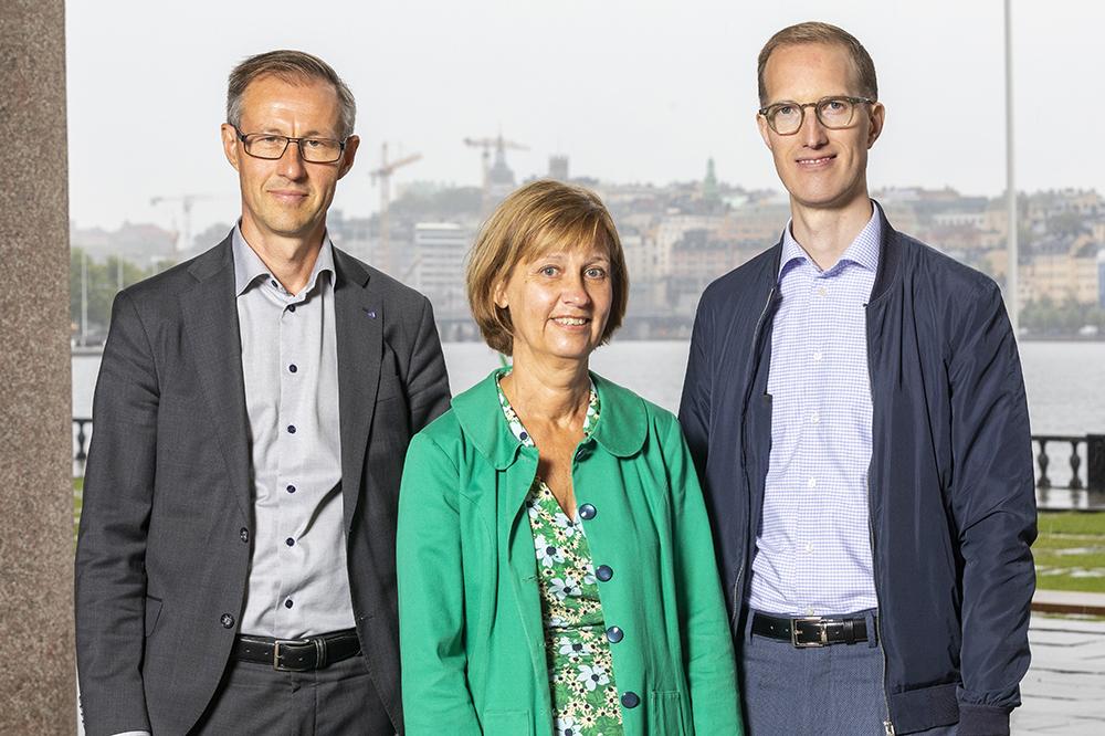 Fredrik Jurdell, stadsdelsdirektör i Spånga-Tensta, Kerstin Sandström, stadsdelsdirektör i Farsta och Jan Jönsson, socialborgarråd. Foto: Gonzalo Irigoyen