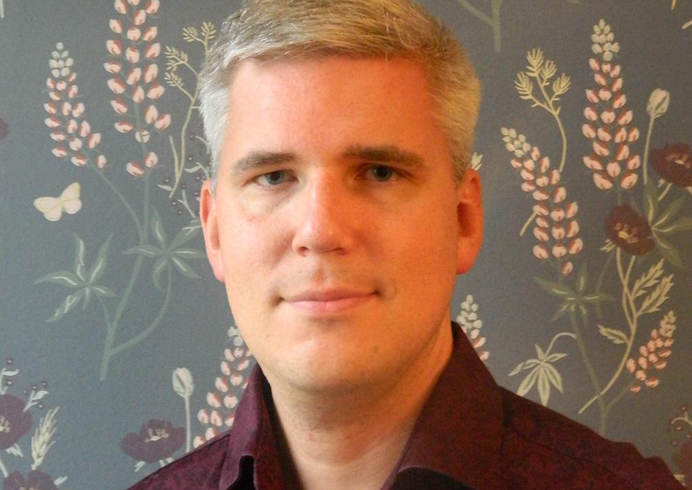 Marcus Sjöberg, biståndshandläggare i äldreomsorgen i Stockholms Stad och ordförande för Akademikerförbundet SSR i Stockholms Stad.