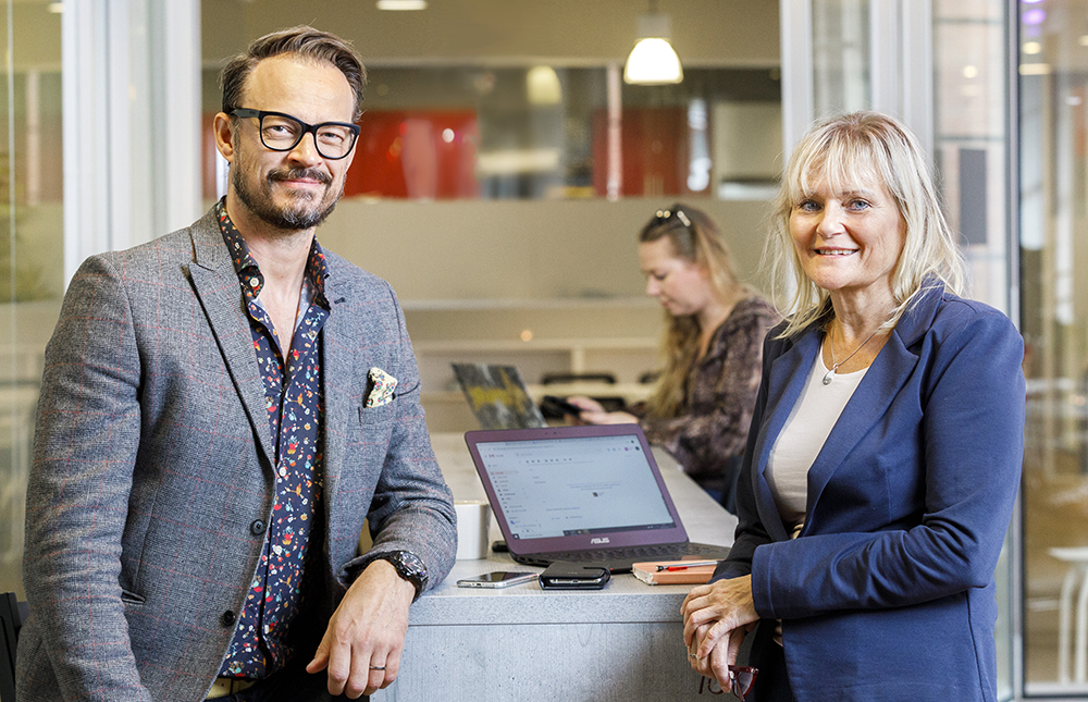 Wolf Andersson, senior konsultchef och Leena Andersson, personal-/ konsultchef på Socionomkraft. Foto: Gonzalo Irigoyen