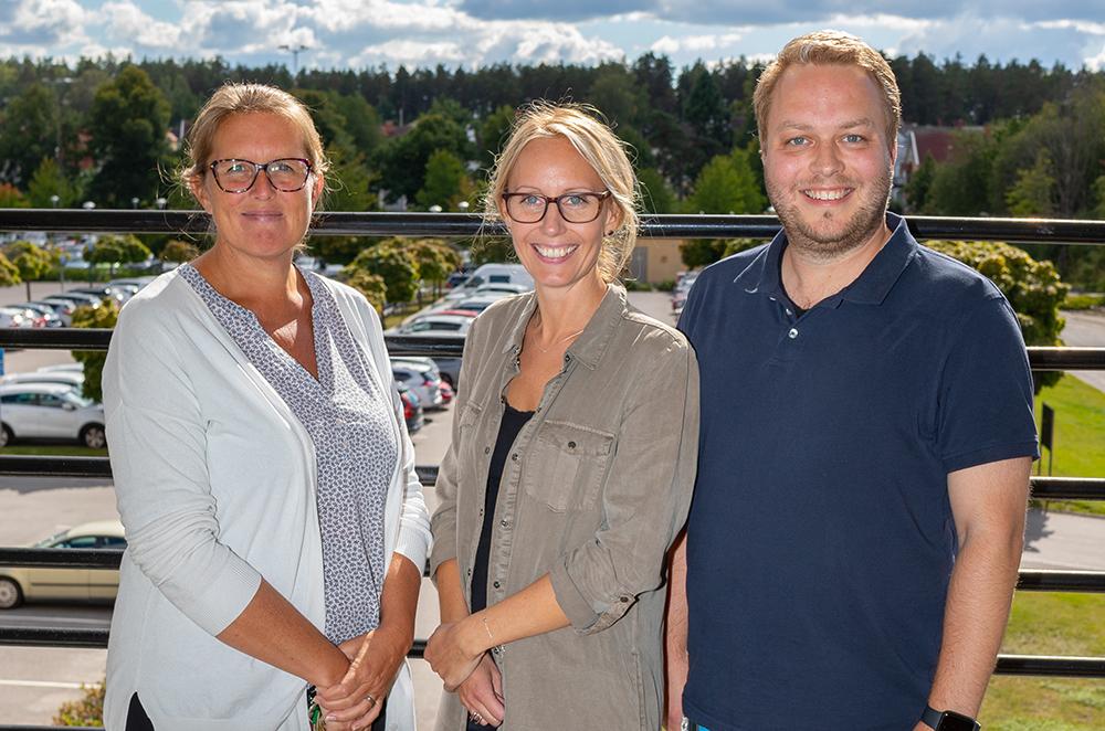Malin Carlsson, chef för Kurator-enheten, Maria Breitholtz, kurator och Marcus Johansson, kurator hos Region Sörmland. Foto: Johan Klinthammar